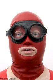 Rubber gas / chemistry goggles