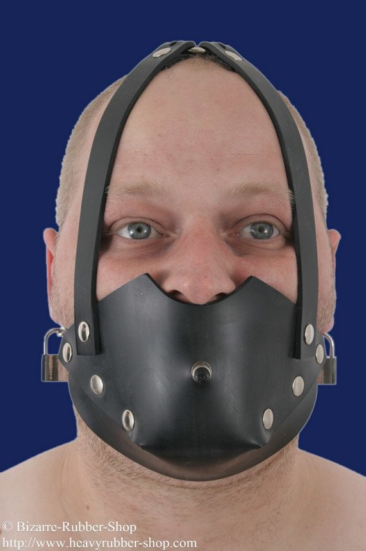Rubber muzzle with inflatable butterfly gag option